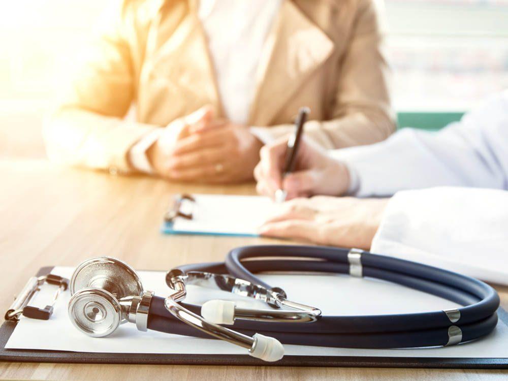 Consulter régulièrement un médecin pour un bilan annuel est important, même pour la génération Y.