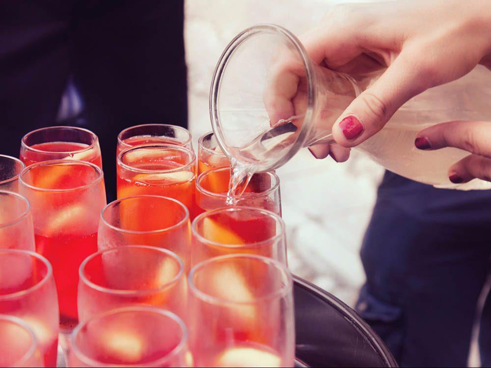 Votre mal de tête peut provenir de votre consommation d'alcool.