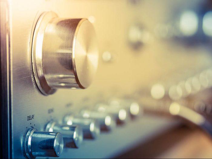 Baissez le volume du son sous peine d'avoir un mal de tête.