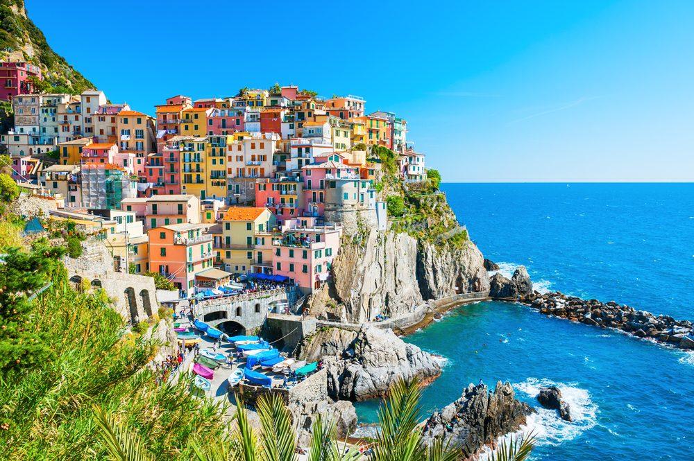 Des cinq superbes villages que compte le Cinque Terre, en Italie, Manarola est l'un des plus spectaculaires.