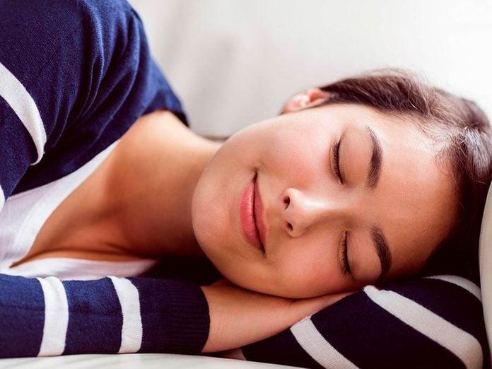 L'excès de sommeil durant le jour est l'un des troubles du sommeil qui vous empêche de dormir.
