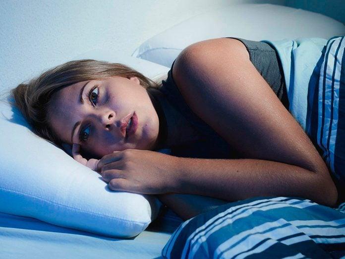 La paralysie du sommeil est l'un des troubles du sommeil qui vous empêche de dormir.