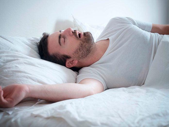 L'obstruction des voiesaériennessupérieures est l'un des troubles du sommeil qui vous empêche de dormir.