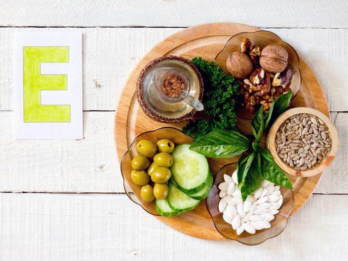 On associe la vitamine E à la prévention de plusieurs maladies : maladies cardiaques, cancers et maladie d'Alzheimer.