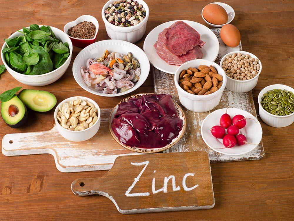 Vitamines: le zinc traiterait les symptômes du rhume.