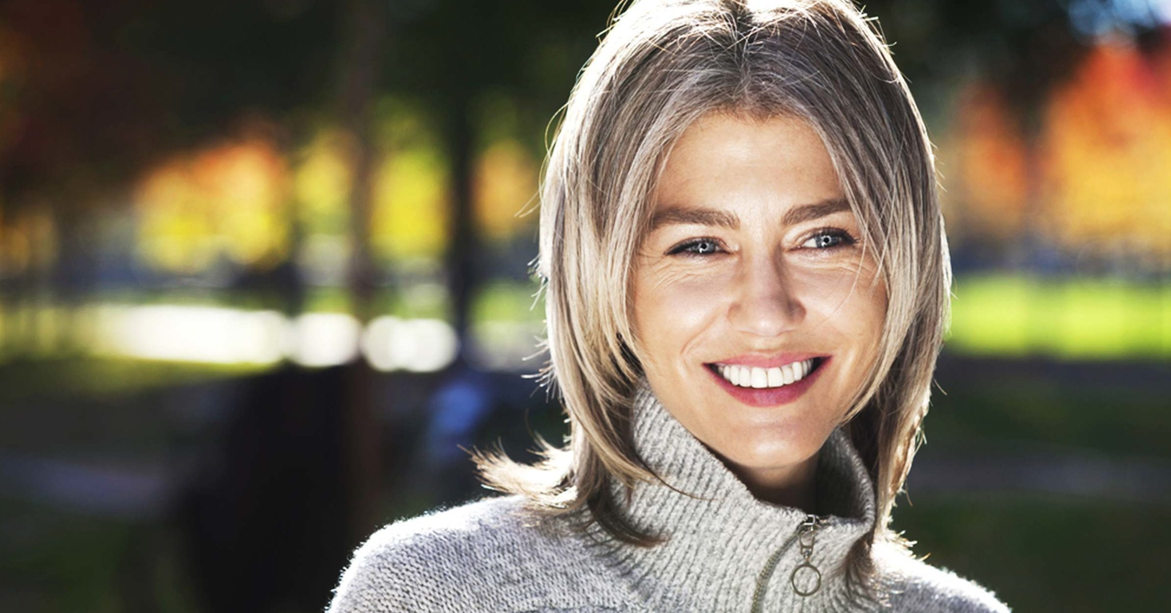 Cheveux Gris 9 Astuces Des Coloristes Pour Grisonner En Beaute
