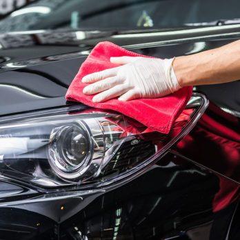 7 accessoires de nettoyage qui redonneront tout son lustre à votre voiture