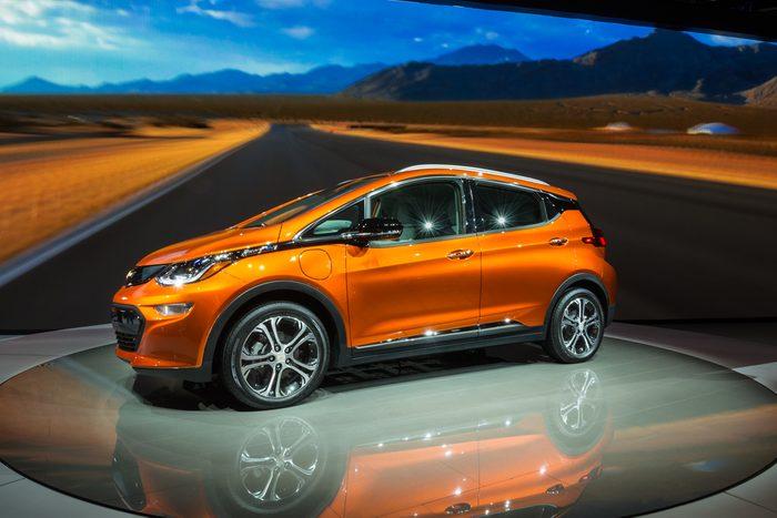 La Chevrolet Bolt fait partie des voitures électriques les plus vendues au Québec.