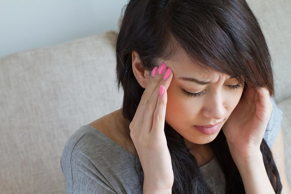 Un anévrisme cause de violents maux de tête.