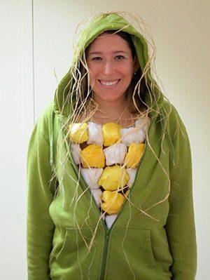 Ce costume original d'épi de maïs ne nécessite pas beaucoup de préparation ni un grand savoir-faire côté couture.