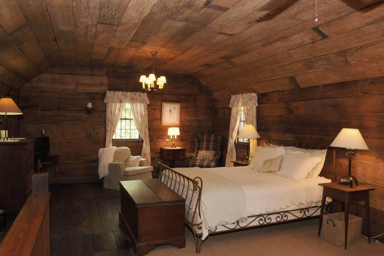 Destinations hantées : Le cottage est hanté par l'esprit de Laura.