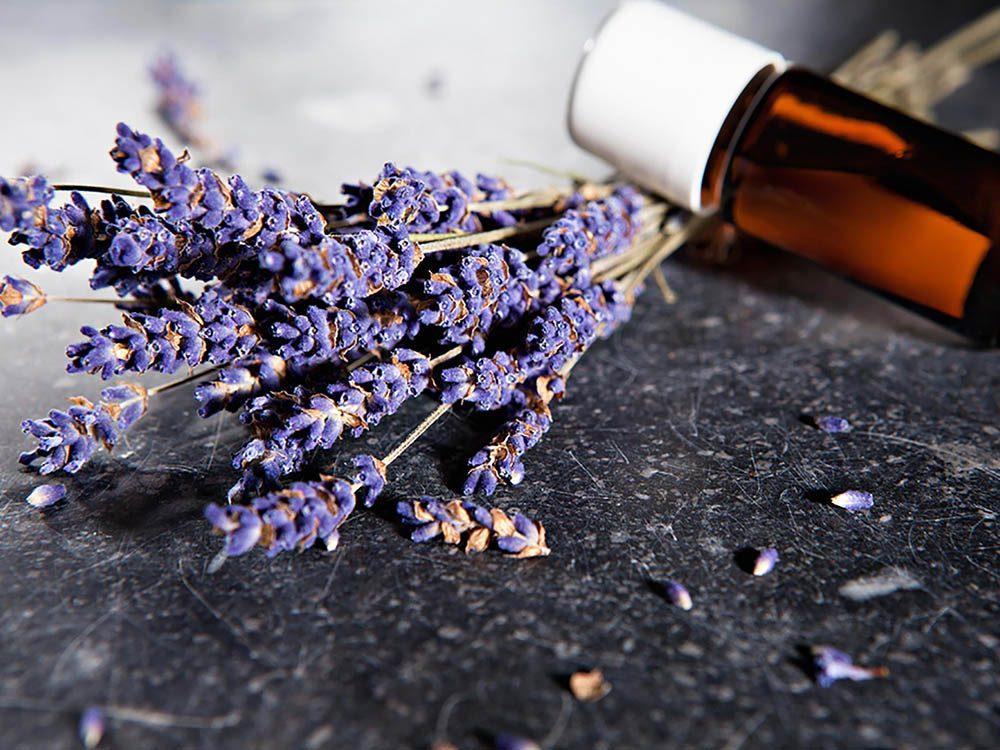 Découvrez l'aromathérapie et dites adieu à l'insomnie.
