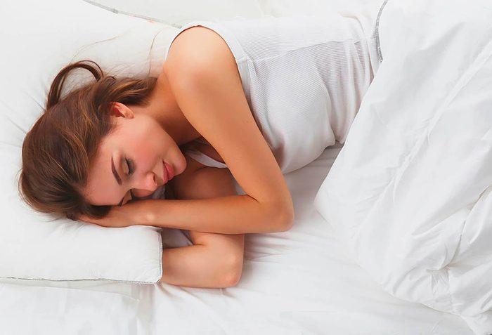 Remède naturel contre le mal de gorge : le repos.