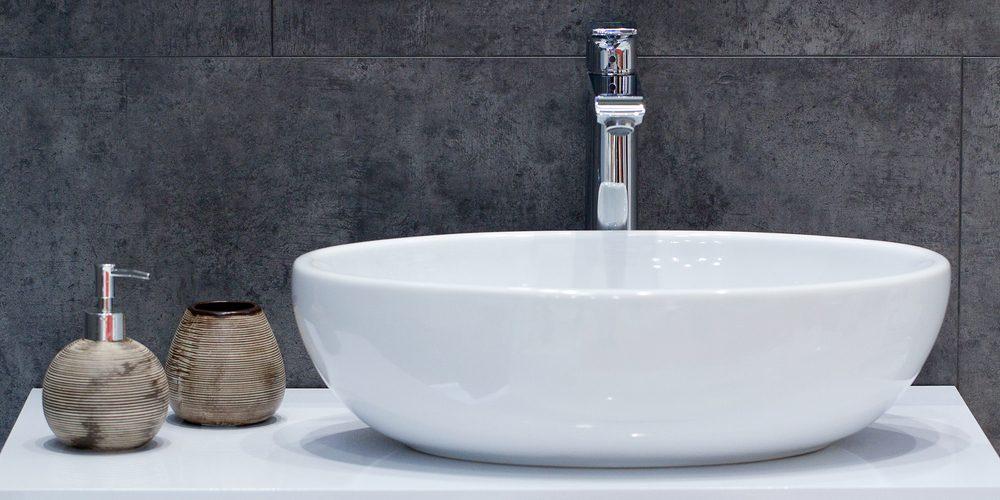 Déboucher les tuyaux du lavabo