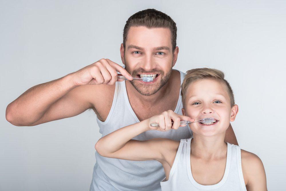 2. Désinfectez vos brosses à dents et vos appareils dentaires