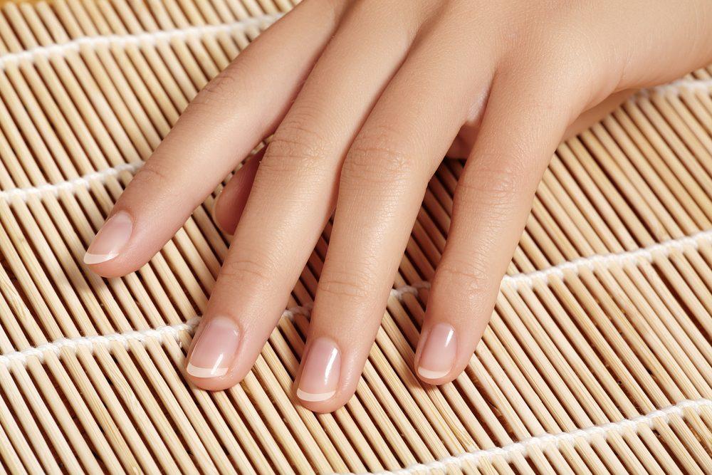 Blanchissez naturellement vos ongles