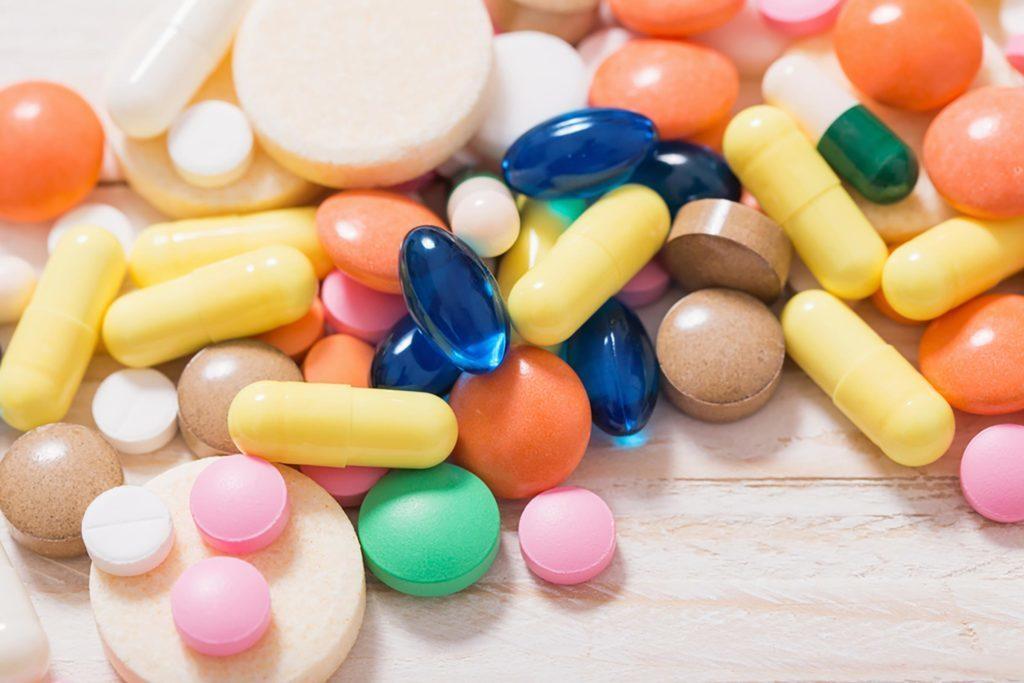 De nombreux experts pensent que la lysine, un acide aminé, peut être nécessaire pour corriger une carence associée aux aphtes.