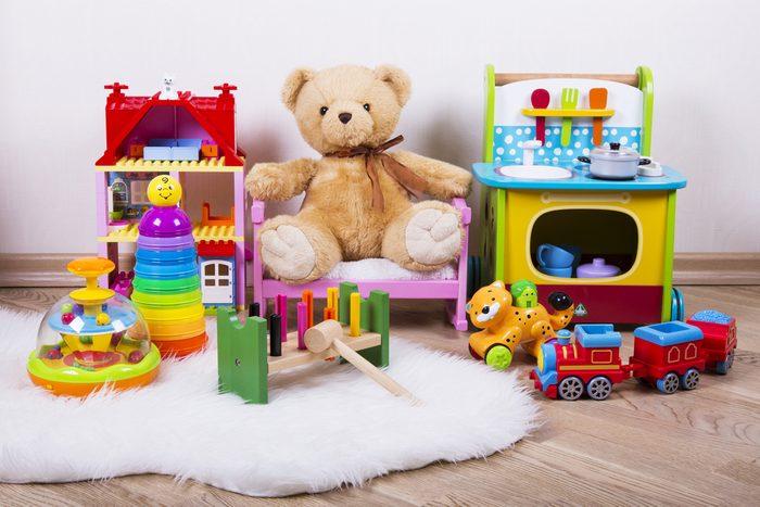 14. Nettoyez les jouets des enfants