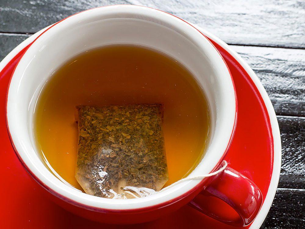 Utilisez un sachet de thé contre vos aphtes.