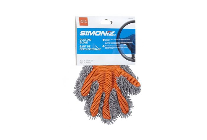 Un gant de dépoussiérage pour ceux qui aiment une voiture impeccable.