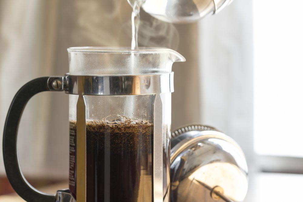 Pour un café réussi, utiliser une cafetière à piston