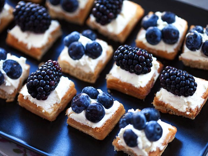 Collations santé: gaufres aux fruits.