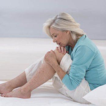 Lésions aux genoux: les causes et les solutions