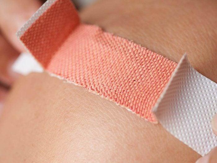 Empêchez l'infection en portant un pansement.