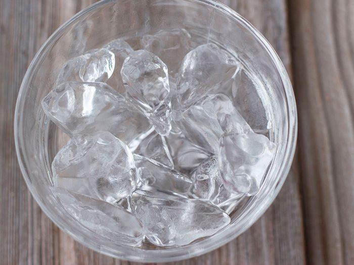 Remède contre le mal de dents: la glace.