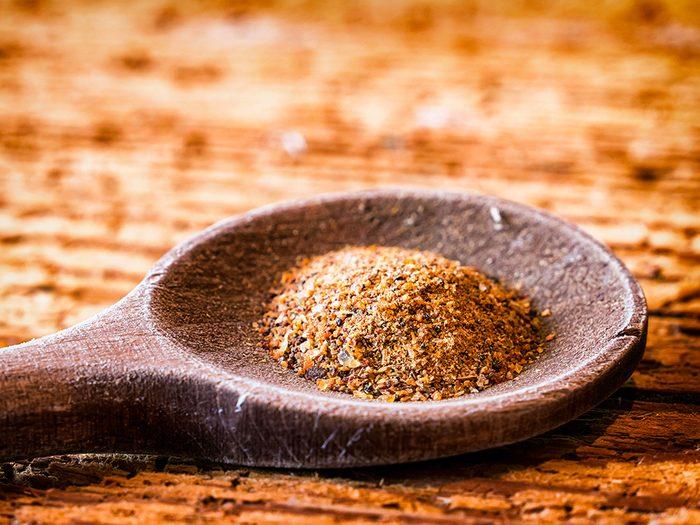 Remède contre le mal de dents: la myrrhe.