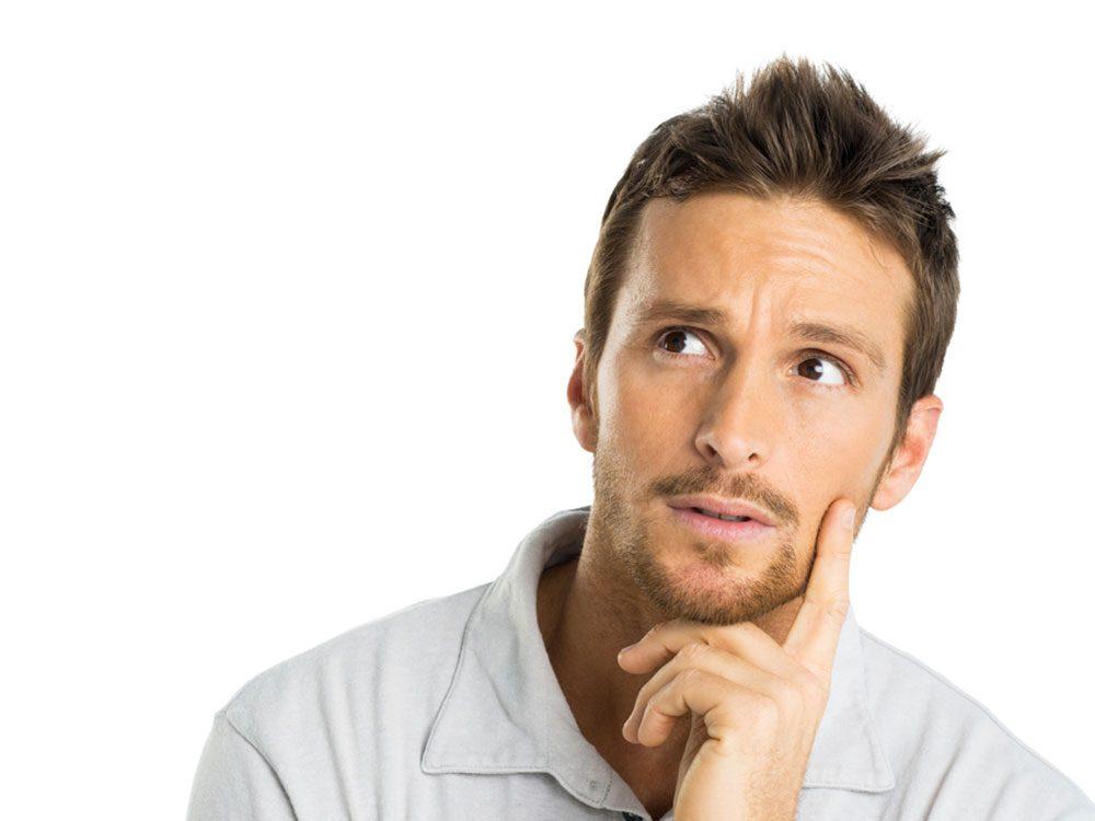 10 questions que les hommes devraient poser à leur médecin avant de prendre de la testostérone.