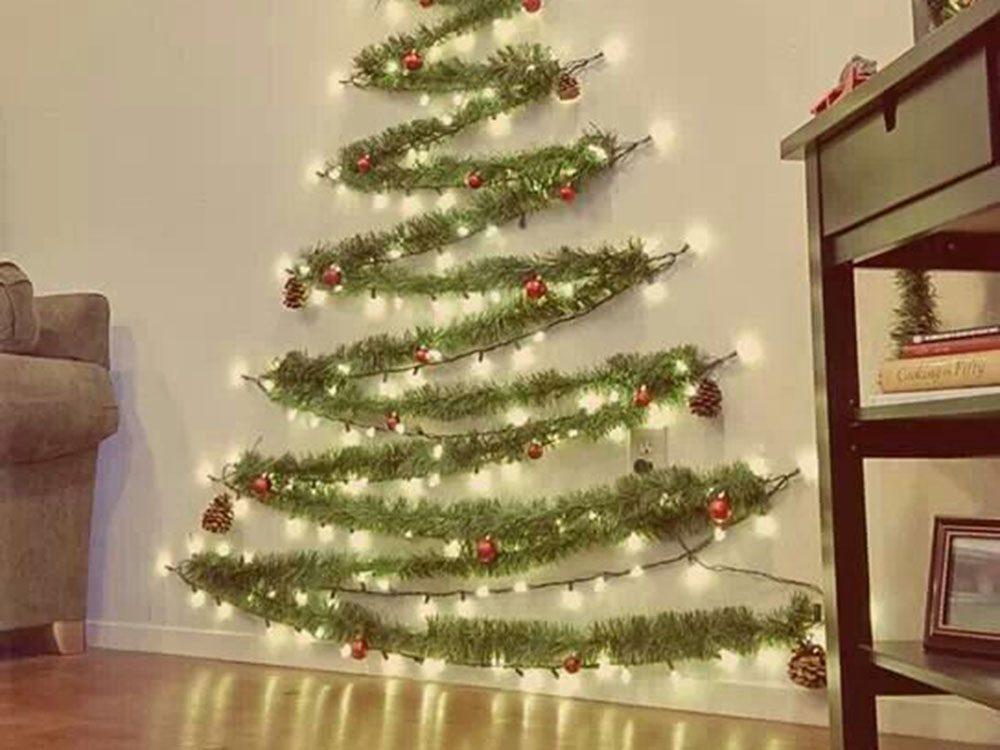 Suspendre votre sapin de Noël.