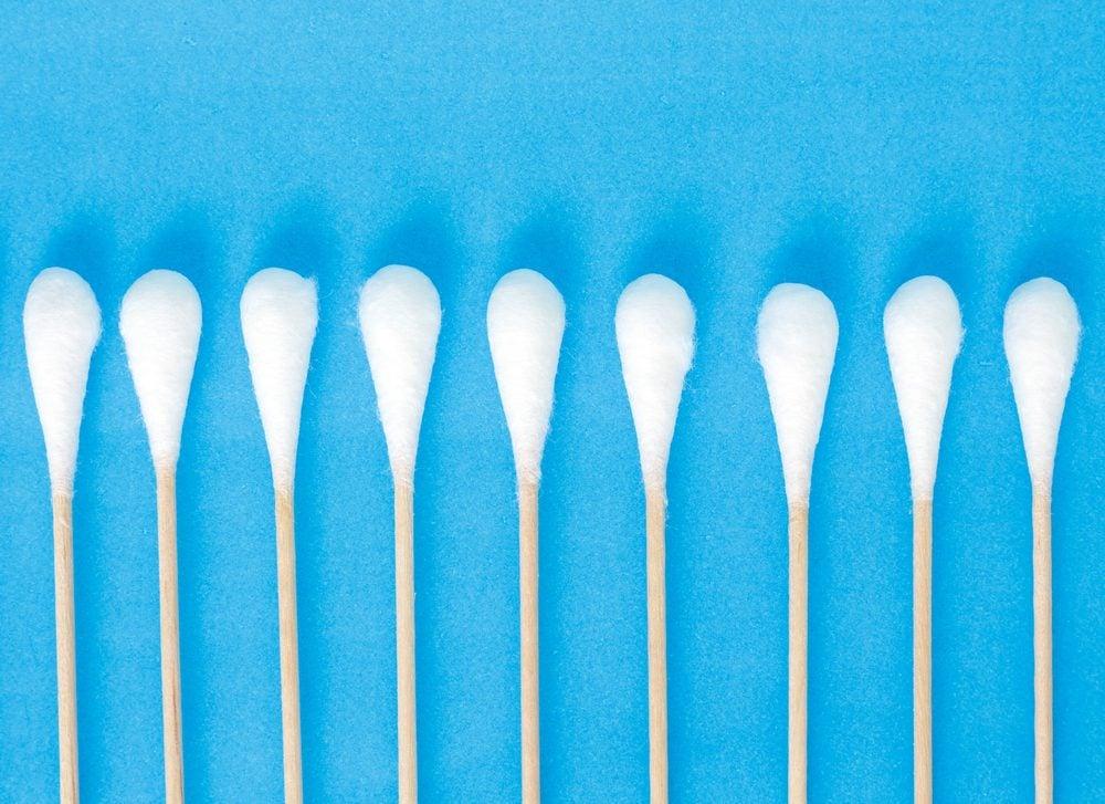 Un coton-tige ne sert pas seulement à nettoyer les oreilles.