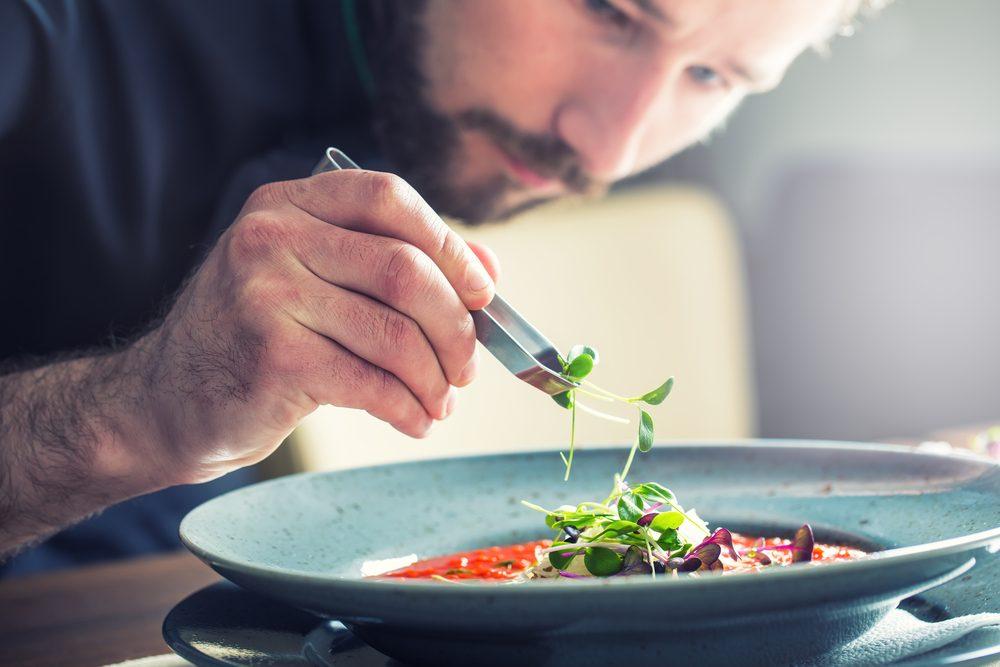 Chef cuisinier un travail pour un Cancer