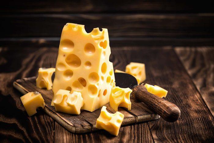 Zinc : le fromage suisse pour combattre le rhume