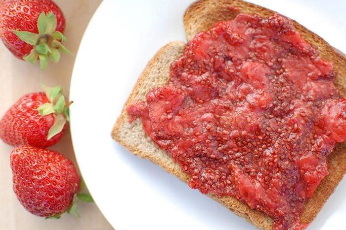 Confiture de fraise aux graines de chia