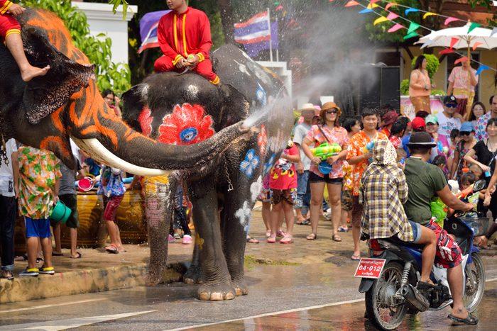 Si c'est le Nouvel An en Thaïlande, apportez une serviette