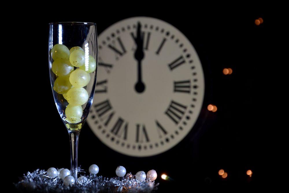 Nouvel An en Espagne = remplissez votre bouche de raisins