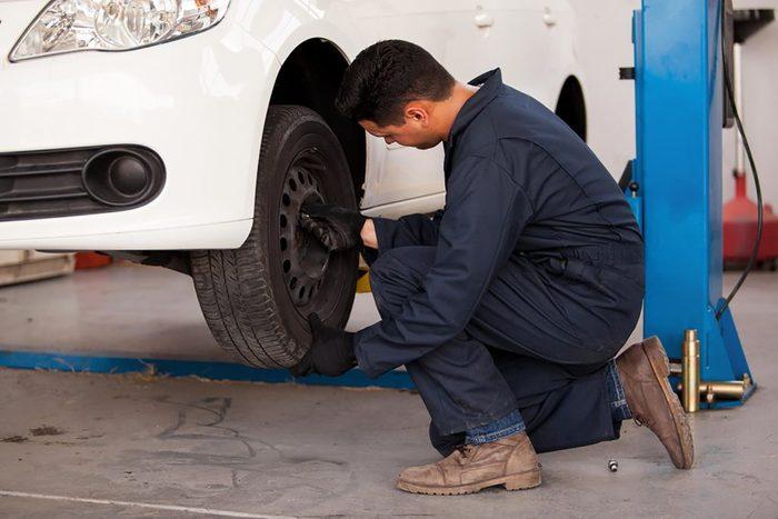 N'oubliez pas de faire tourner vos pneus