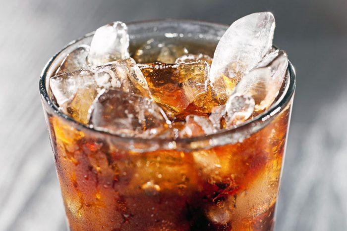 Buvez du soda diète avec modération