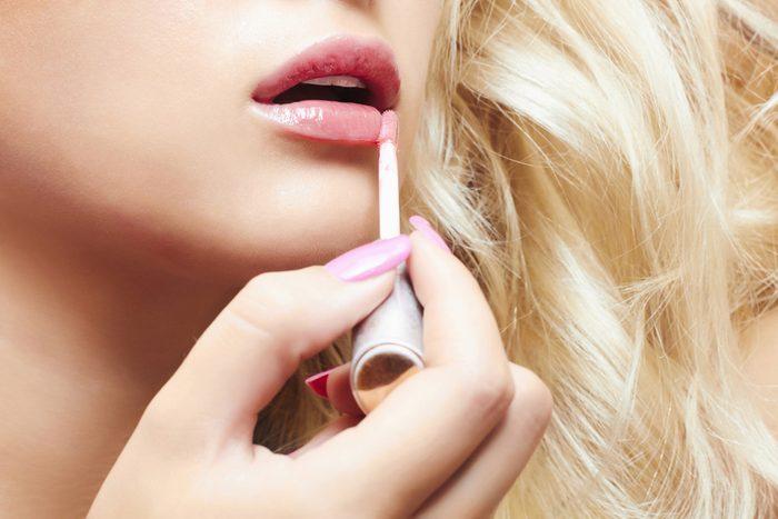 Des lèvres scintillantes
