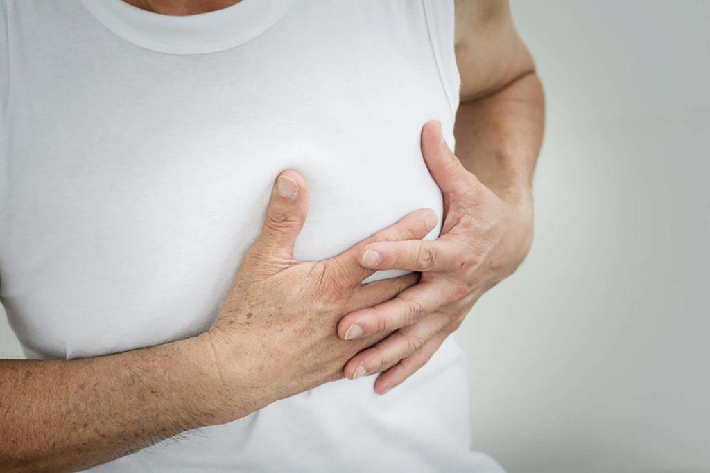 Douleurs à la poitrine durant l'exercice