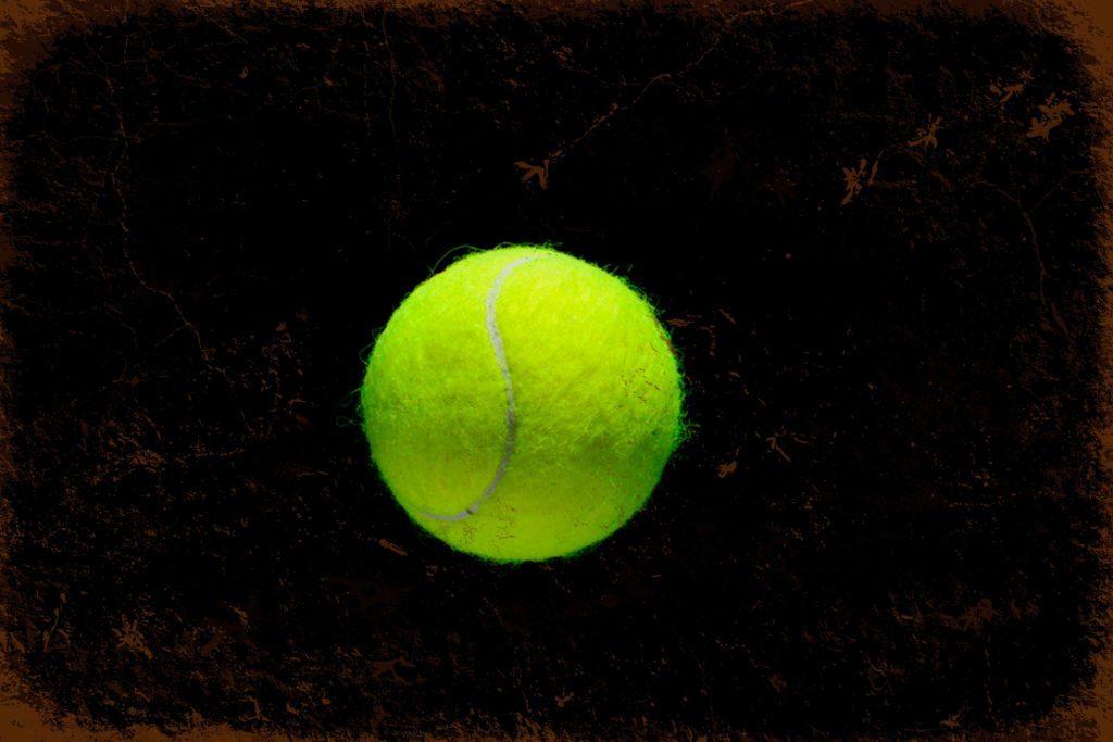 balle de tennis maux de pied