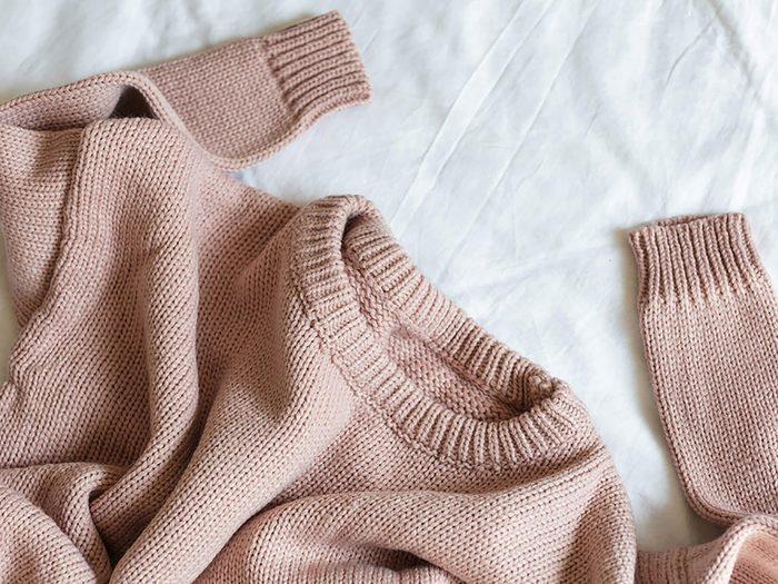 Conseils pratiques pour faire durer plus longtemps vos vêtements préférés tels que les chandails.