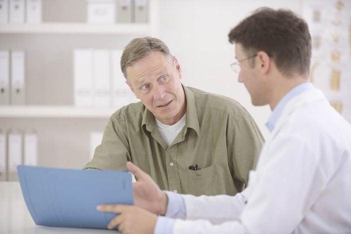 Maladie d'Alzheimer : voici quoi faire si vous présentez ces symptômes.