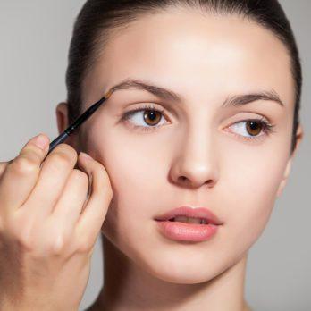 9 erreurs très courantes avec les sourcils et comment y remédier