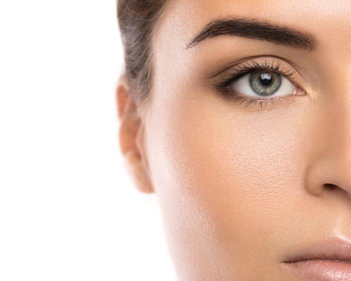 La forme idéale des sourcils dépend de la forme du visage.