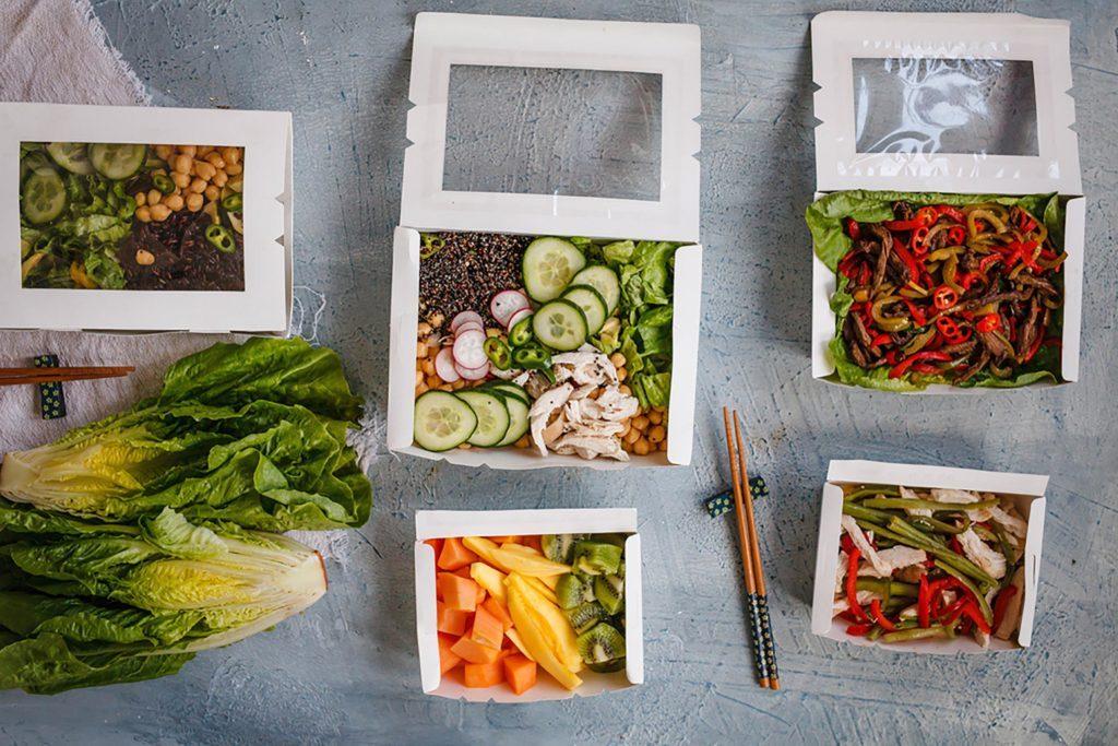Utilisez un service de livraison de repas chauds plutôt que de commander pour emporter