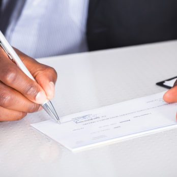 Comment avoir un accès rapide à votre argent après le dépôt d'un chèque
