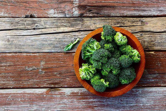 Les légumes crucifères altèrent l'odeur corporelle.